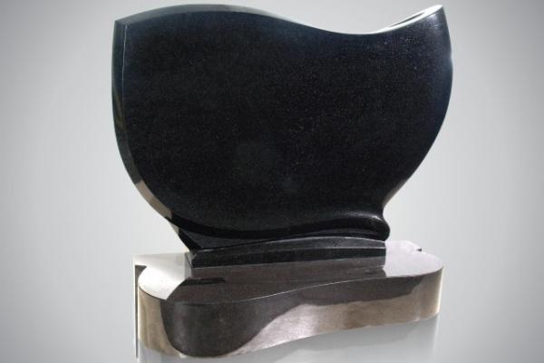 7305-mit-sockel-7314so-black-allseits-poliert716F46F1-1504-76C8-ABFB-76FBB0472EAE.jpg